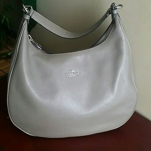 Gray pebbled shoulder bag